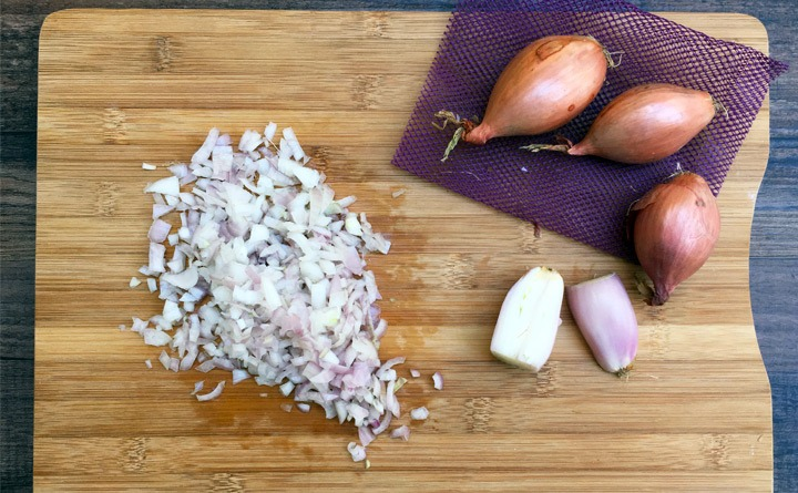 1/2 cup minced shallots.