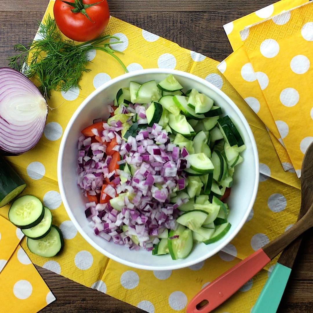 Tangy Tomato Cucumber Salad with Dill | Cherry and Spice
